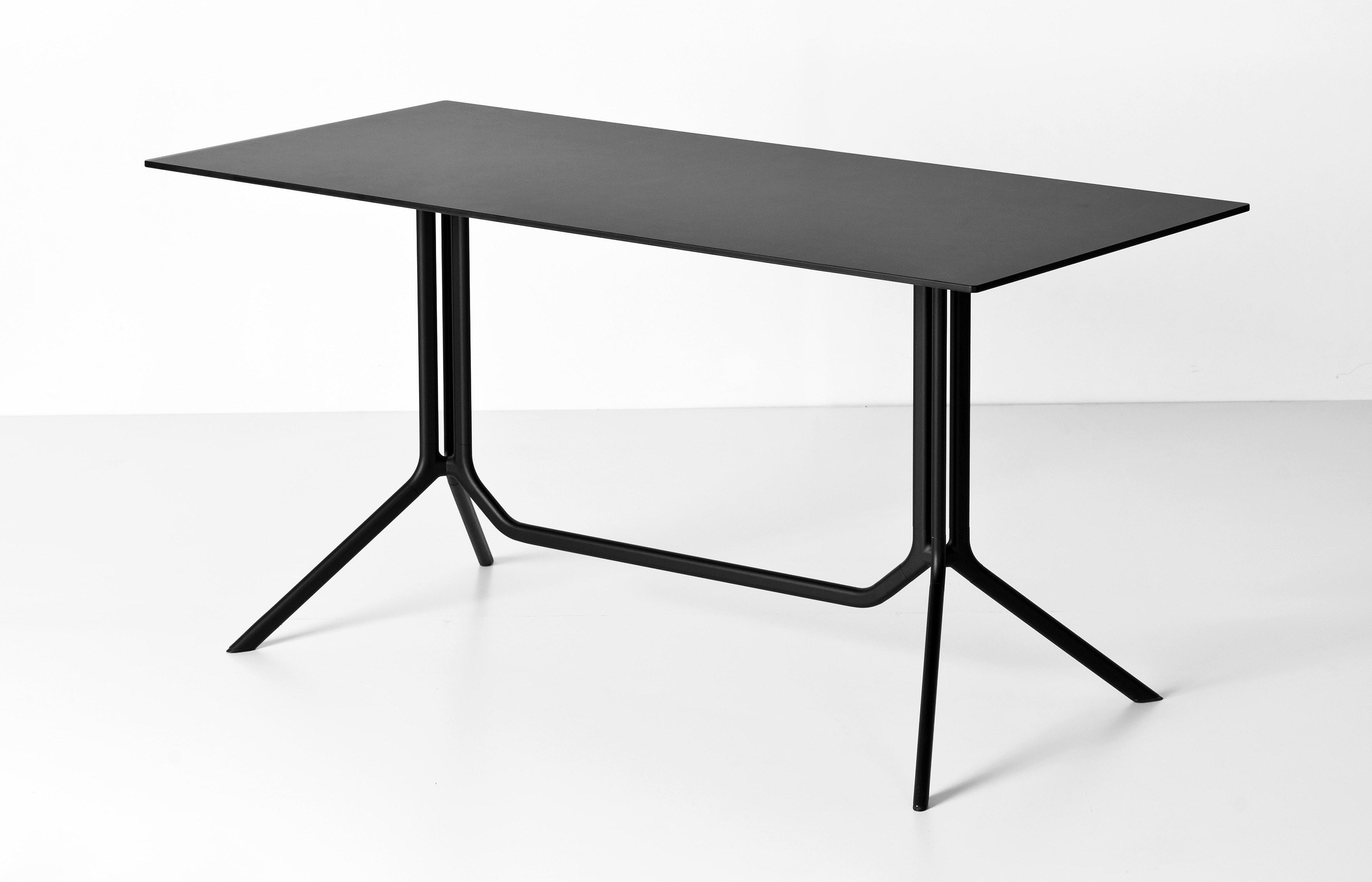 Poule dining tables fanuli furniture for Table kristalia